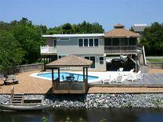 Sandbridge Beach - 4th Row Vacation Home / Siebert Realty / Virginia Beach, VA  - Tackle Box -- 2241 Sandpiper Road
