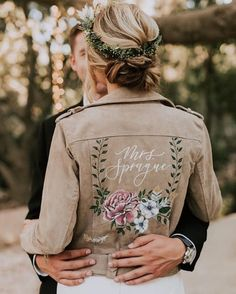 DETAIL // Why not step out of the ordinary and add a unique personalised wedding jacket to your day? Stylish, modern, so boho and so on trend 💕⠀⠀⠀⠀⠀⠀⠀⠀⠀ . Wedding Themes, Wedding Styles, Wedding Attire, Wedding Dresses, Dream Wedding, Wedding Day, Wedding Pics, Wedding Jacket, Painted Clothes