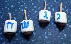 How+to+Make+Edible+Dreidels+for+Hanukkah