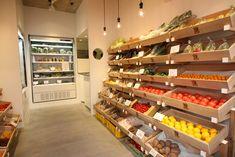 野菜をきっかけに宮崎の生産者の想いを届ける八 ... Home Deco Furniture, Vegetable Shop, Coffee Shop Interior Design, Supermarket Design, Fruit Shop, Shelf Design, Shop Interiors, Retail Shop, Store Design