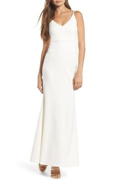 Main Image - Lulus V-Neck Trumpet Gown