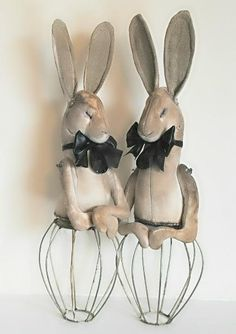 Mister Finch, Textile hares