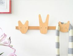Percheros de pared para habitaciones infantiles, de All Lovely Stuff