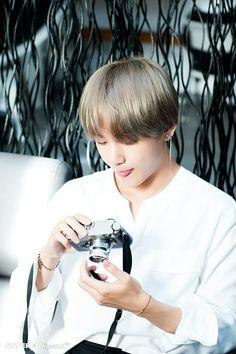 Bts V Kim Taehyung photoshoot Daegu, Bts Bangtan Boy, Bts Jimin, K Pop, Taehyung Photoshoot, Bts Dispatch, Bts Twt, Kim Taehyung, Shows