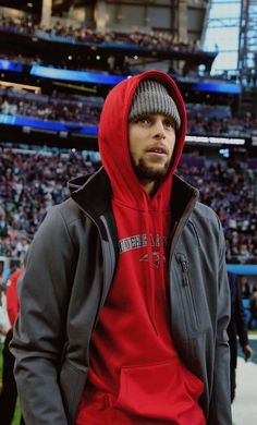 FUCK YEAH BBALL PLAYERS — Stephen Curry at the Super Bowl LII between the...