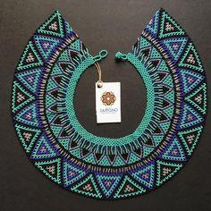 # asociaciónjaipono – Marcela Melo – Willkommen bei Pin World Tassel Jewelry, Fabric Jewelry, Beaded Earrings, Crochet Earrings, Beaded Jewelry Designs, Native Beadwork, Peyote Beading, Beaded Collar, African Jewelry