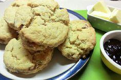 Cherry scones - Dessert - Recipe Detail - expatwoman.com