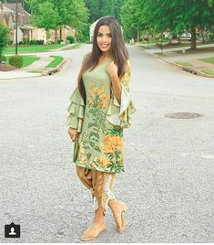 Pakistani Casual Wear, Pakistani Outfits, Indian Outfits, Asian Party Wear, Trendy Dresses, Fashion Dresses, Eastern Dresses, Eid Outfits, Diy Dress