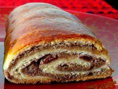 Štrudla sa orasima je rado viđeni kolač u prazničnim danima i uopšte, zimskom periodu. Iako je jedan od kolača starije generacije, nik...