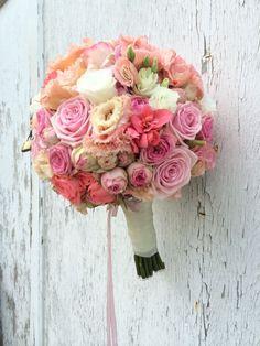Milles Fleurs_ Brautstrauß_Strukturstrauß_Rosa-creme-weiß_ - 9 Wedding Table Flowers, White Wedding Bouquets, Bride Bouquets, Bridal Flowers, Bridesmaid Bouquet, Floral Wedding, Wedding Decorations, Romantic Flowers, Beautiful Flowers
