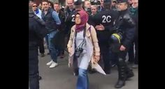 #DÜNYA Paris'te AA muhabirine saldırdılar: Paris'te Filistin işgali nedeni ile İsrail'in protesto edildiği gösterinin yakınındaki karşıt…