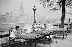 """St Thomas' Hospital in 1936 [London / UK] The thinking was, if you get the patients outside in the """"fresh, clean"""" air, that they would heal faster - also that respiratory diseases wouldn't spread as quickly outside."""
