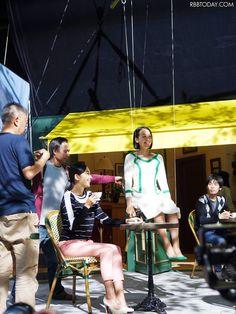 現在行われている「ストナシリーズ」CM撮影の様子 (640×853) 「浅田真央、CM撮影中に髪バッサリ!「イメージチェンジしたかった」」 http://www.rbbtoday.com/article/2014/09/09/123262.html