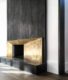 Fireplace inspiration courtesy of 🖤 – Decoration Contemporary Fireplace Designs, Contemporary Interior Design, Luxury Interior Design, Contemporary Furniture, Custom Fireplace, Fireplace Wall, Fireplace Surrounds, Floating Fireplace, Modern Fireplaces