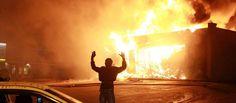 Σοκ στην Αυστραλία: Ισλαμιστής βάζει φωτιά σε τράπεζα και πολίτες επειδή καθυστέρησε η συναλλαγή του! (σκληρό βίντεο)