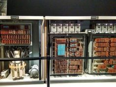 """""""Vom Abakus zu Exascale - 50 Jahre Informatik in Franken"""": Die Ausstellung im Museum für Industriekultur in Nürnberg zeigt einige technische Highlights der Vergangenheit, wie den Abakus, die Zuse Z23 oder die Connection Machine CM-5. Die Ausstellung ist noch bis zum 30. April zu besichtigen. (Bild: Olha Kuzmyn)"""