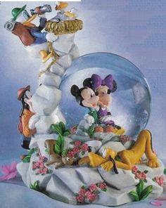 Disney Snowglobes Collectors Guide: Fab 5 Alpine Snowglobe