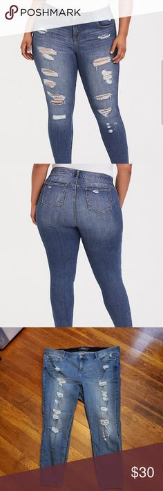 3ac0c825b1 Torrid bombshell skinny jeans distressed Light wash