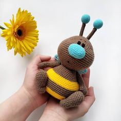 You can find everything you are looking for about Amigurumi. In this article, we have put together the best amigurumi crochet free patterns and share them. Crochet Frog, Crochet Animal Amigurumi, Crochet Animal Patterns, Crochet Doll Pattern, Cute Crochet, Amigurumi Doll, Crochet Animals, Amigurumi Patterns, Crochet Dolls