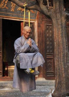 "Shaolin Hard Qi Gong "" Iron Neck"" Training"