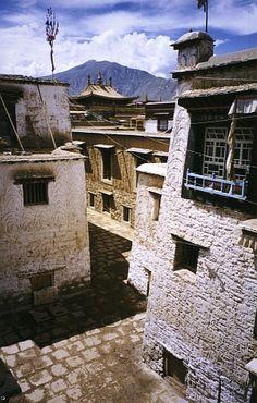 Tibetan vernacular architecture via Tibet Heritage Fund