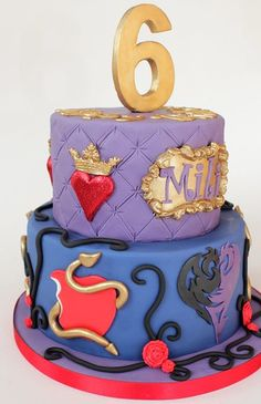 With design help from the birthday girl and inspired by Evie and Mal from Disney Descendants. All decoration handcut or molded from fondant. 8th Birthday Cake, 9th Birthday Parties, Decendants Cake, First Communion Cakes, Christmas Birthday Party, Paris Cakes, Party Fiesta, Character Cakes, Disney Cakes