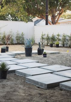 our backyard : updates - almost makes perfect Side Yard Landscaping, Backyard Patio Designs, Modern Backyard, Modern Landscaping, Patio Ideas, Landscaping Ideas, Garden Paving, Garden Landscape Design, Modern Landscape Design