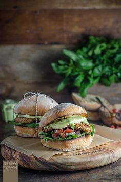 Veal Cotoletta Milanese Burger with Salsa Fresca and Parsley Aioli | Chew Town Food Blog