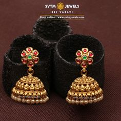 #goldearrings #goldearringsforwomen❤ #goldearringsph #earrings Gold Jhumka Earrings, Gold Bridal Earrings, Jewelry Design Earrings, Gold Earrings Designs, Gold Jewellery Design, Beaded Jewelry, Pearl Jewelry, Pearl Jhumkas, Bridal Jewelry