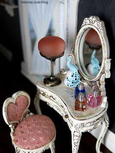 Otterine's miniature vaniety