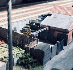 Tres Jolie Photo, Val D'oise, Model Trains, Belle Photo, Scale Models, Ea, Buildings, Scenery, Miniatures
