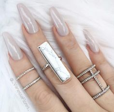 theonlyvoguely:  nails  http://flawlassglam.tumblr.com/