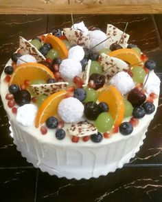 Sweets,  vanilla cream,  fruit,  white Schokolade
