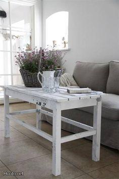 Coffee table by Jeanne d´Arc Living / Jeanne d´Arc Living -sohvapöytä