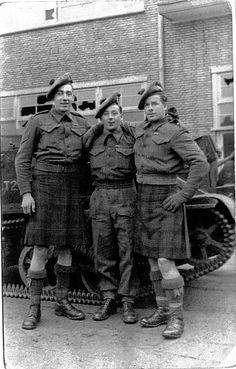 The Queen's Own Cameron Highlanders 1944 Canadian Soldiers, Canadian Army, Scottish Fashion, Scottish Dress, British Army Uniform, Tweed Run, Men In Kilts, Military Pictures, Highlanders