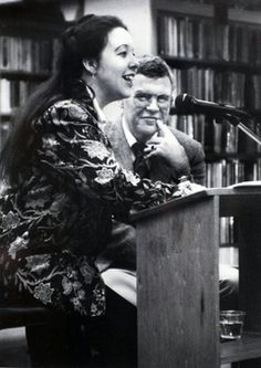 Raymond Carver watches Tess Gallagher at a reading at the Port Angeles, Wash., library in 1988, the year he died at age 50. #O.Lettera-Ti @LibriamoTutti