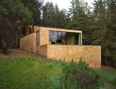 Wood Sea Ranch Residence Design by Todd Verwers Architects Modern Architecture Design Ideas - Architecture & Interior Design Ideas and Online Archives Cabins In The Woods, House In The Woods, Bungalow, Sea Ranch, Modern Architecture Design, Small Modern Home, Ranch House Plans, Cabins And Cottages, House Built