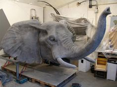 """Contemporary artist Kendra Haste creates realistic animal sculptures working with the medium of galvanized wire. """"What interests me most about studying animals is identifying the… Elephant Anatomy, Paper Snowflake Designs, Zoo Drawing, Carved Wood Wall Art, Grandeur Nature, Sculpture Metal, Animal Sculptures, Wire Sculptures, Animal Statues"""