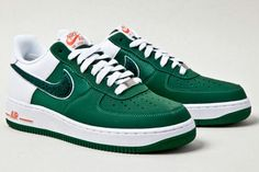 New Air Force 1's coming out as part of their varsity pack. Must. Have.