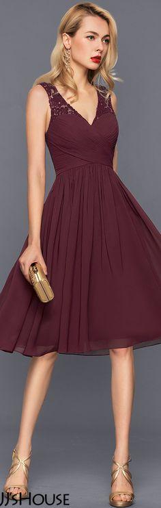 V-neck Knee-Length Chiffon Cocktail Dress With Ruffle#JJsHouse #Cocktail dresses