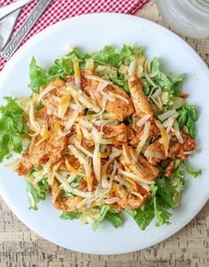 Healthy doesn't have to mean eating plain old grilled chicken breasts everyday. Keep lunch flavorful with The Honour System's easy chicken taco salad plate: creamy salsa-ranch chicken breasts and crunchy tortilla chips all over a fresh bed of crisp romaine lettuce! It's a one-pan wonder that's ready in 20 minutes or less!