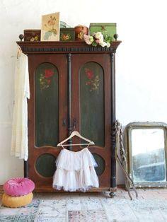 Wonderful armoire