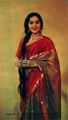 eros-dikaios:Vyjayanthimala again in what I think is a traditional South Indian Kanjeevaram saree. From Filmfare, 1961.