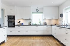 Kök med stora avlastningsytor