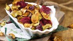 Selbstgemachte Gemüsechips aus dem Ofen   eatsmarter.de