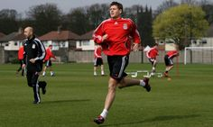♠ Gerrard leads the Liverpool warm up at Melwood - April 2007 #LFC #Melwood