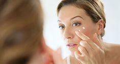 Eyebrow Makeup Tips, Skin Makeup, Makeup Tips For Older Women, Best Anti Aging Creams, Dark Under Eye, Eye Circles, Dark Circles, Concealer Brush, Sagging Skin
