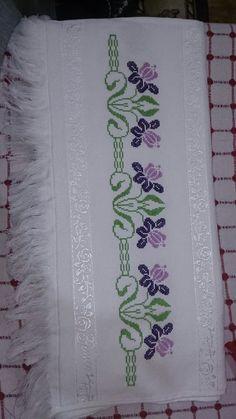 Towel with Cross-Stitch Cross Stitch Borders, Cross Stitch Flowers, Cross Stitch Designs, Cross Stitching, Cross Stitch Embroidery, Embroidery Patterns, Hand Embroidery, Cross Stitch Patterns, Bargello