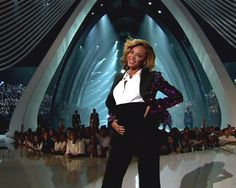 Squeal! Beyonce baby bump pictures at VMAs