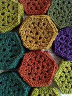 Craig Rosenfeld's crocheted hexagons made from Jared Flood's Shelter yarn. So beautiful! Crochet Hexagon Blanket, Crochet Dishcloths, Granny Square Crochet Pattern, Crochet Blocks, Basic Crochet Stitches, Crochet Squares, Crochet Granny, Crochet Motif, Knit Crochet